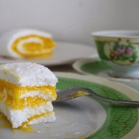 Brazo de Mercedes with lime curd