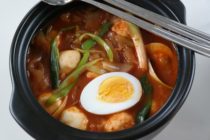 Tteokbokki, korean chili soup
