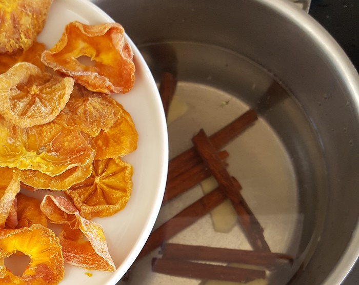 Koreans persimon and cinnamon drink recipe
