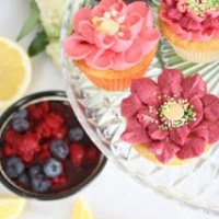 Lemon cupcake with berry topping