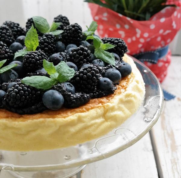 Cheese cake, three ingredient cheese cake, blueberries, cheese cake with blueberries